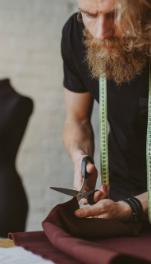 découvrez la nouvelle formation couturier Lignes et Formations ! Une formation à distance vous permettant de maîtriser les notions indispensables du métier de couturier.
