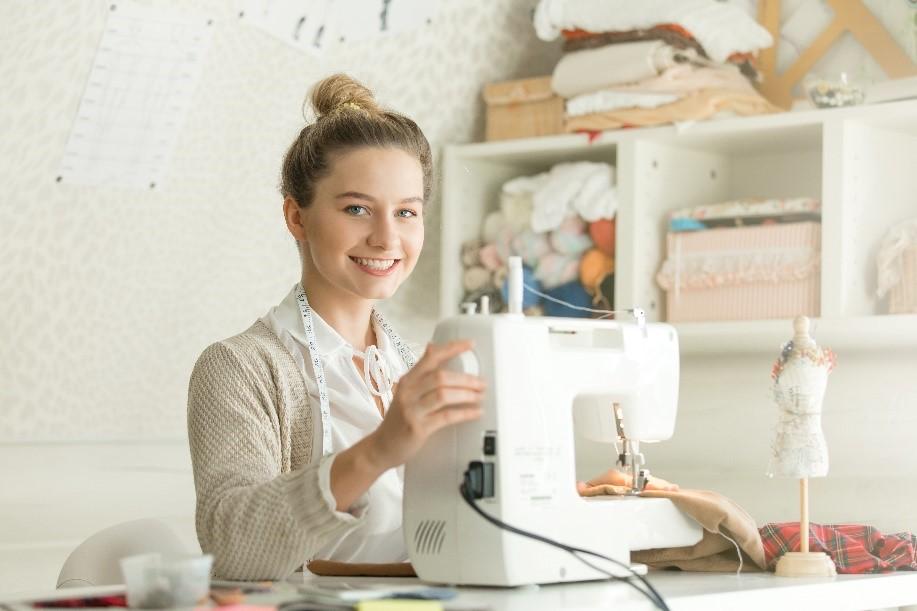 Découvrez la formation à distance au cap métiers de la mode - vêtement flou de Lignes et Formations