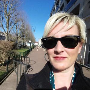 Rencontre avec Anastasia Jacobs, ancienne élève en décoration intérieure chez Lignes et Formations et auteure du livre Le Déclic de ma vie